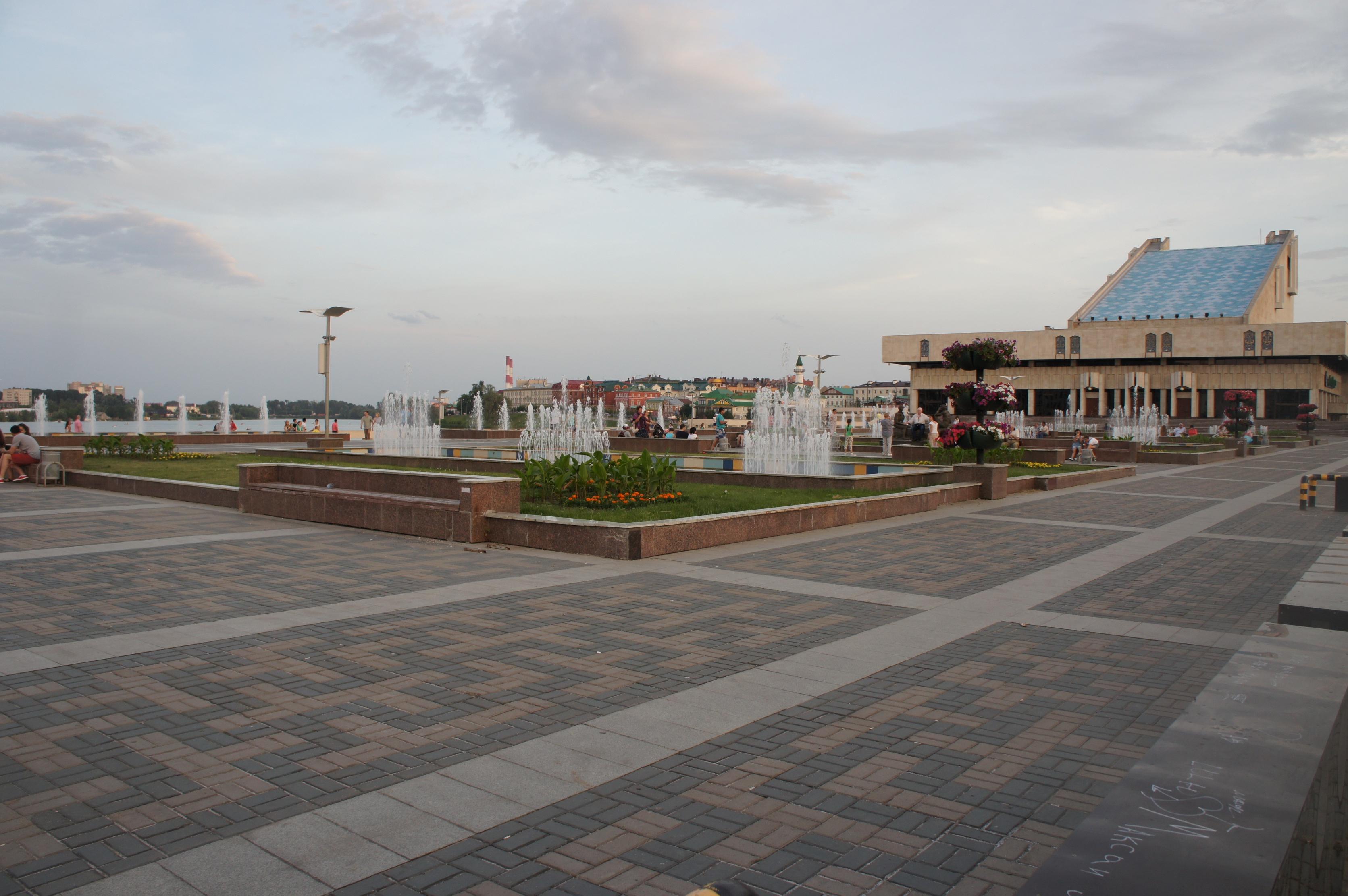カマル劇場