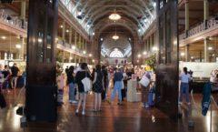 世界遺産『王立展示館』とその背後に佇む近代建造物『メルボルン博物館』